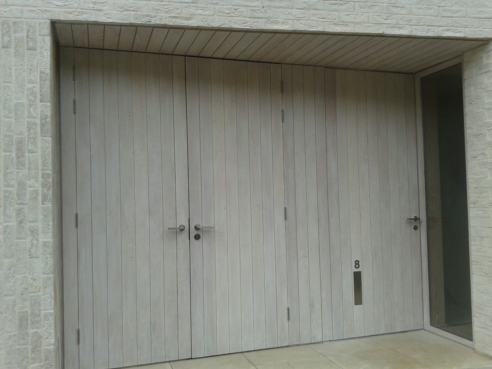 Kandd double door design