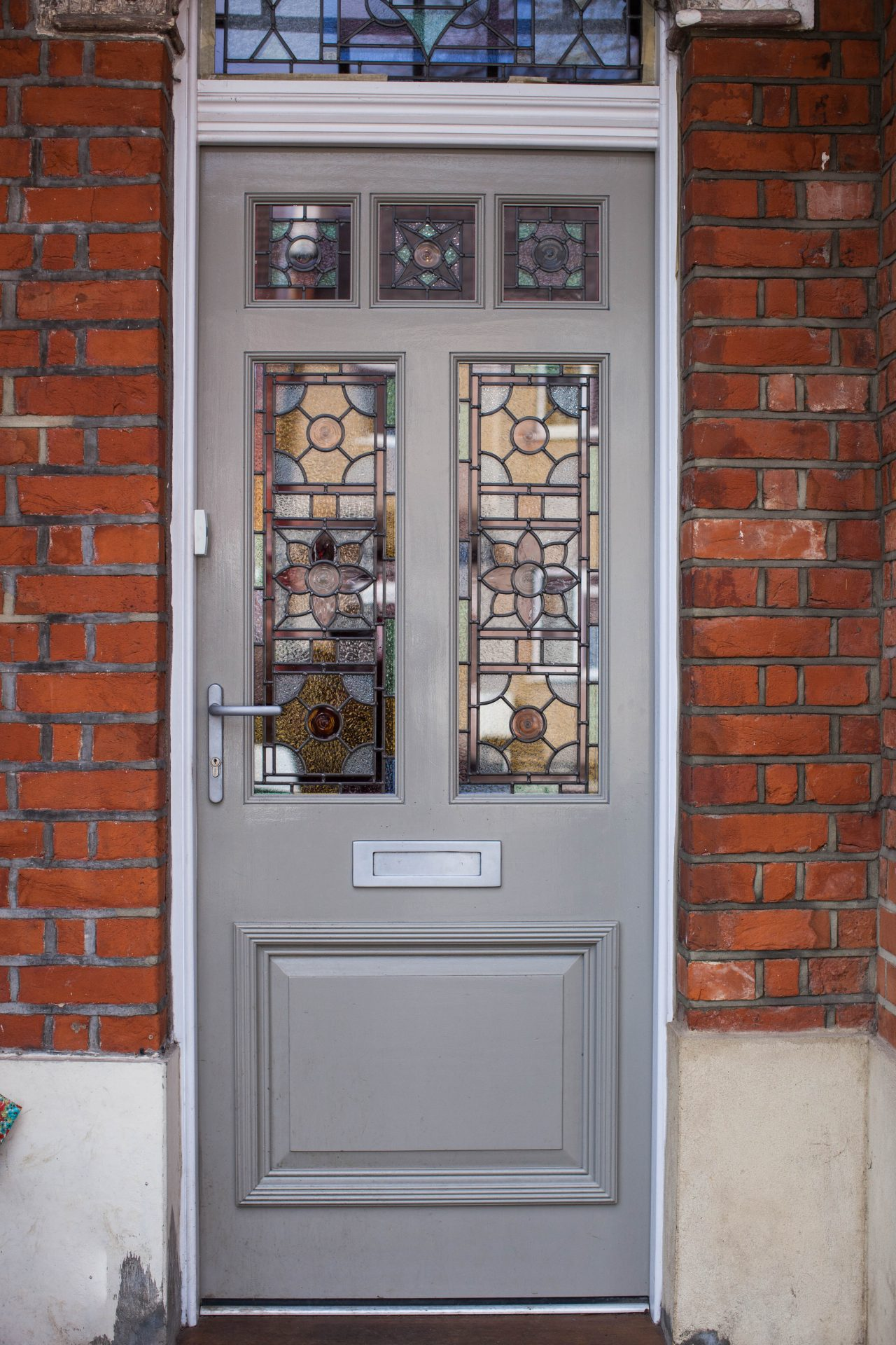 London Front Wood Door Manufacturer