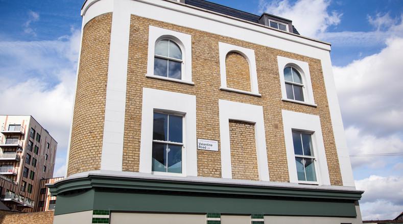 Shop Front sash windows - K&D Joinery London