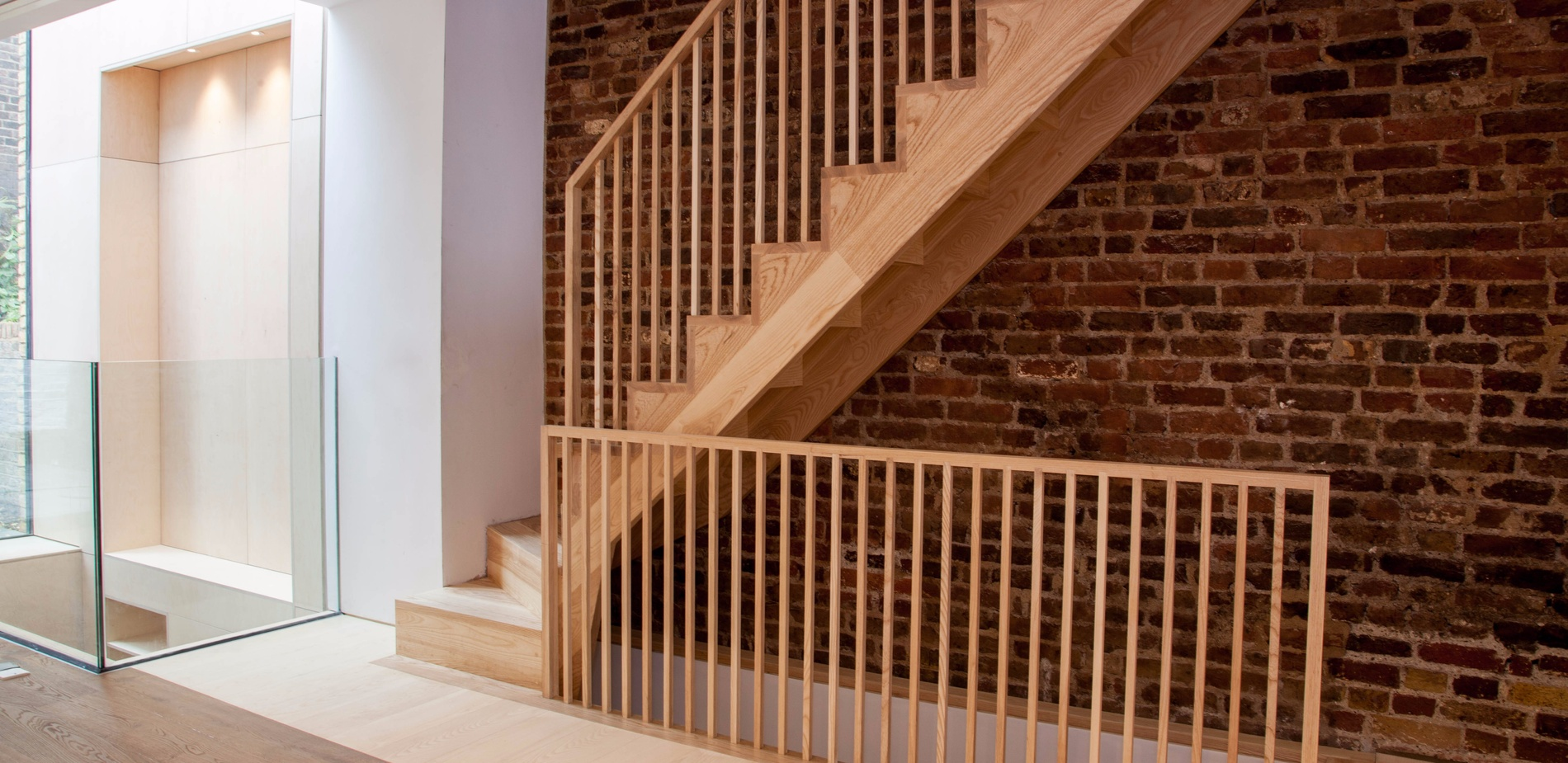 Ash Staircase - K&D joinery