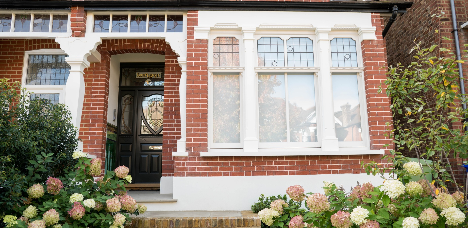 Wood front door - Sash window - K&D Joinery London